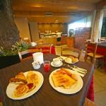 hotel-Smeraldo-colazioni-buffet-поесть в отеле